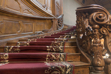 4 Reasons to Add Carpet to Your Staircase